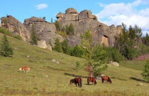 Horse Riding Mongolia, Gorkhi Terelj National Park, autumn riding